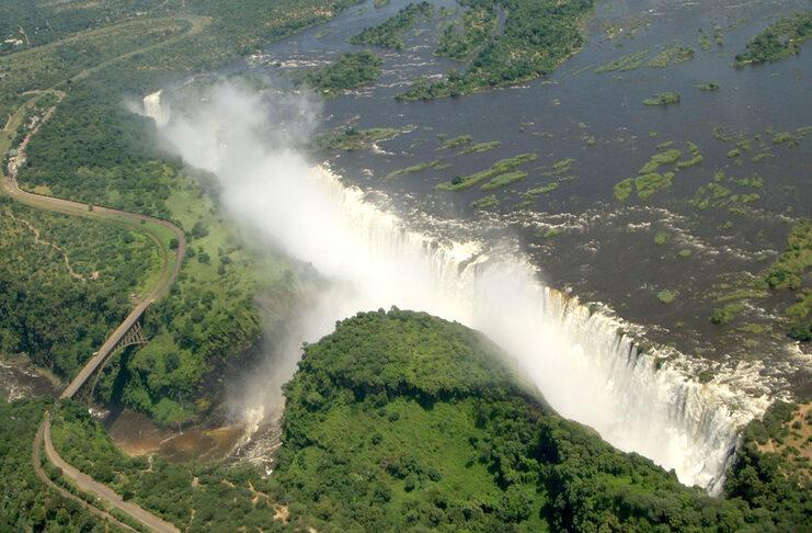 chutes victoria zimbabwe zambie