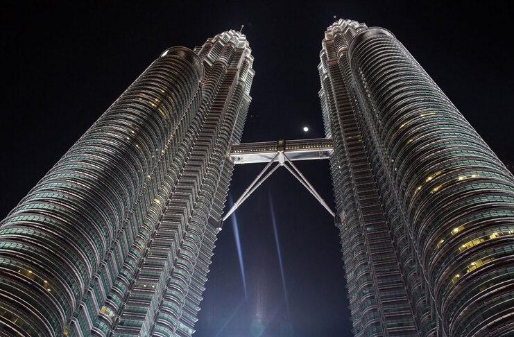 petronas towers malaisie